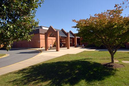 Brooke Grove ES building