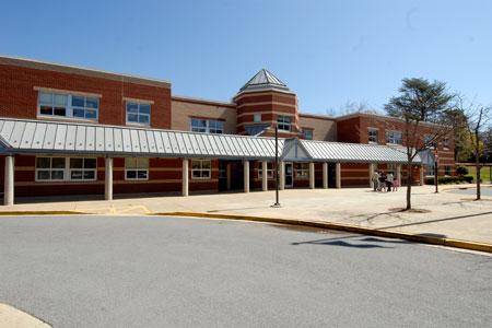 Pine Crest ES building