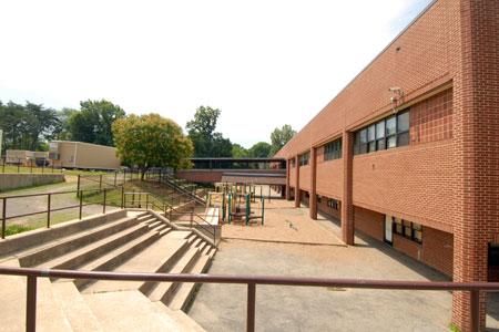 Rolling Terrace ES building